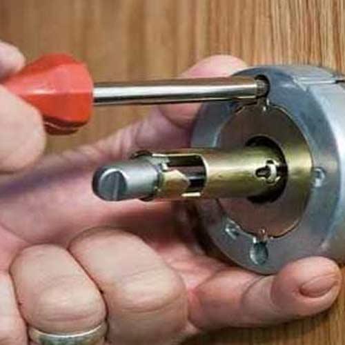 تعویض قفل ها پس از جابجایی