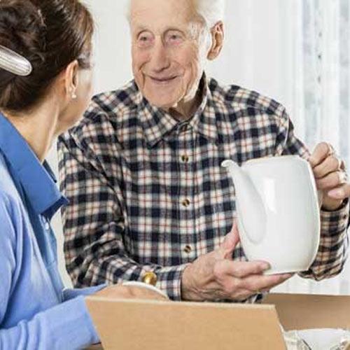 مهربانی در اثاث کشی برای افراد سالخورده